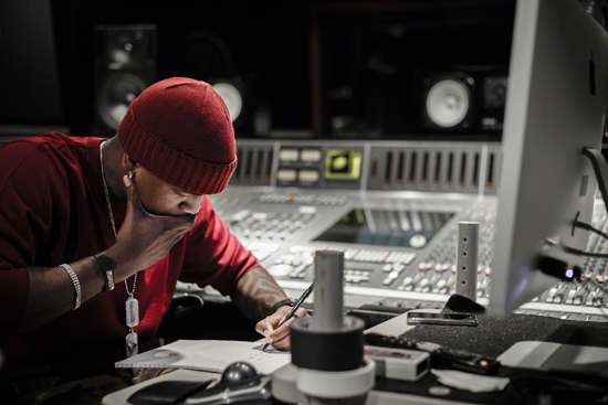 Ne-Yo Writing in the Studio